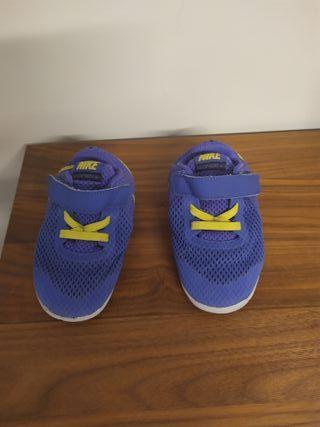 Zapatillas NIKE bebé T 23,5