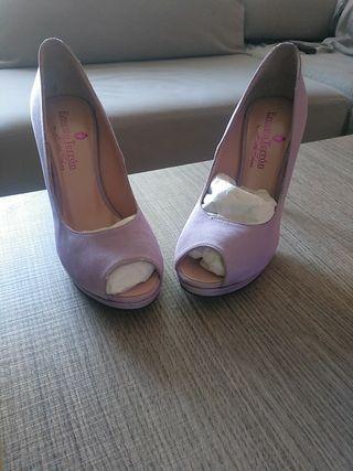 Zapatos de fiesta o novia. Sin estrenar.