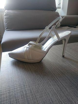 Zapatos de novia. Sin estrenar
