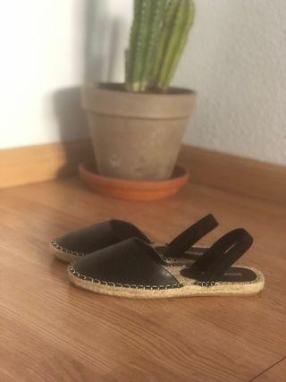 Sandalias esparto planas Zara