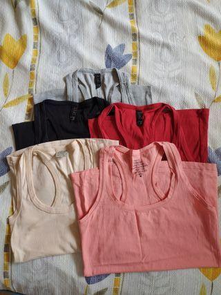 Camisetas básicas. Se pueden vender por separado