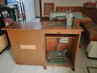 Maquina de coser + borda