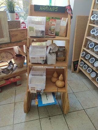 Mueble. expositor. estanteria
