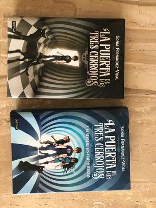 """2 Libros """"La puerta de los 3 cerrojos"""" castellano"""