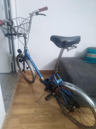 Bici BH azul clásica.