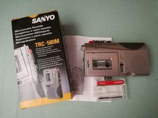 Grabadora SANYO, microcassette. TRC -580M.