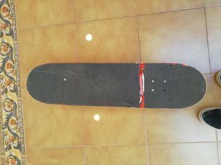 skate. tabla de skate. ejes . ruedas de skate