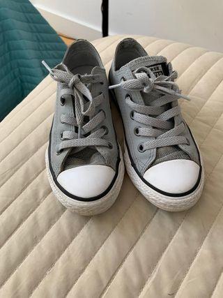Zapatillas de niña grises