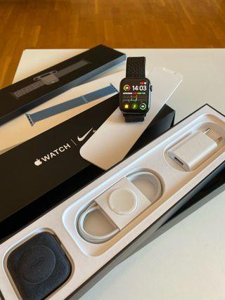 Apple watch 4 nike+ Space Gray