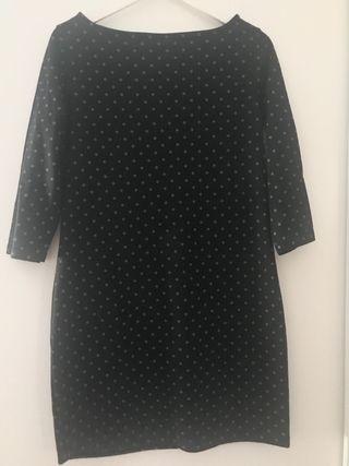 Vestido negro de lunares grises