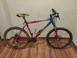 """Bicicleta BH sierra nevada 26"""", 27 cambios"""