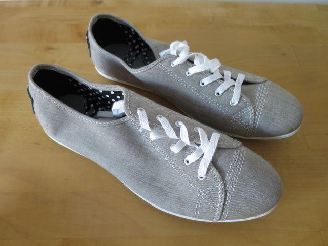 CONVERSE PlayLite Sneaker, 38, NUEVO