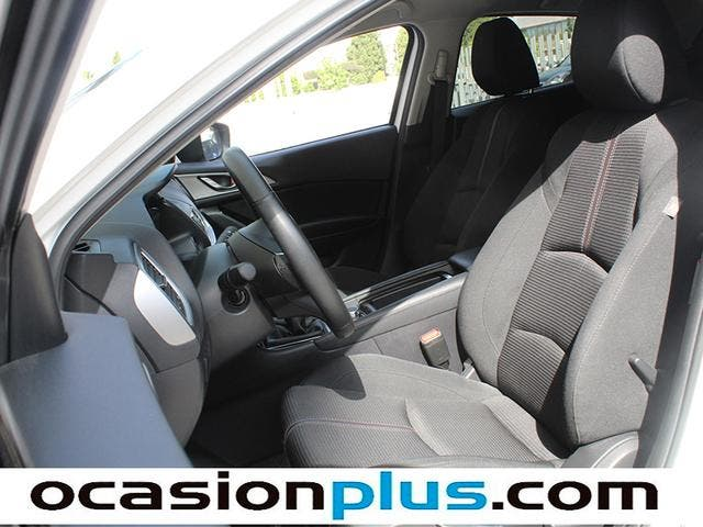 Mazda Mazda 3 2.0 GE MT Black Tech Edition 88 kW (120 CV)