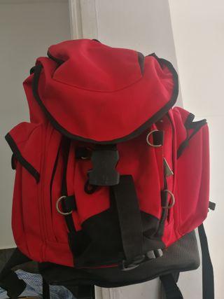 mochila montaña impermeable 30 litros