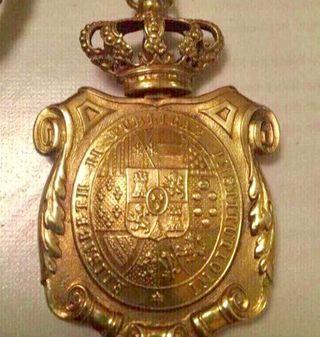 Medalla Venera doctor universitario Isabel II
