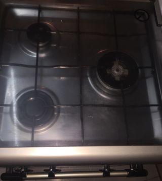 Vendo cocina de gas urge