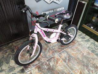 bicicleta de niña infantil en buen estado.