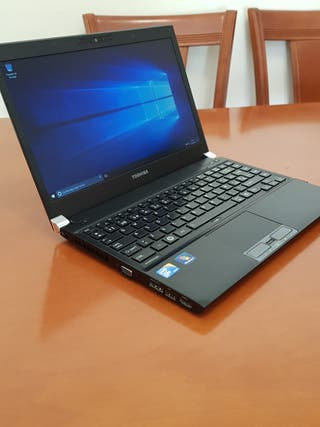 PORTÁTIL TOSHIBA R700 i5 4Gb RAM DISCO 250Gb R2029