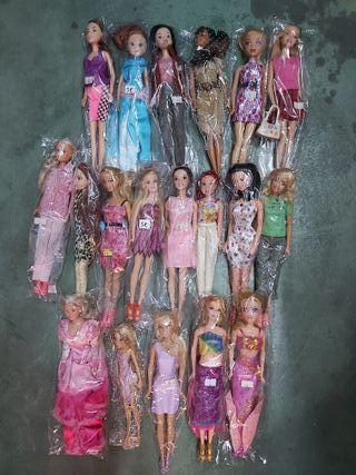lote muñecas colección Barbie y otras
