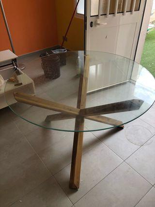 Mesa de cristal con tripode de madera