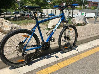 Bicicleta BTT GIANT Terrago