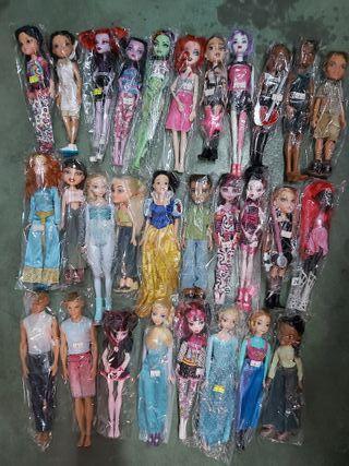 lote muñecas Barbie,Ken, Monster high y otras