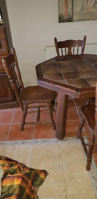 mesa y sillas nogal
