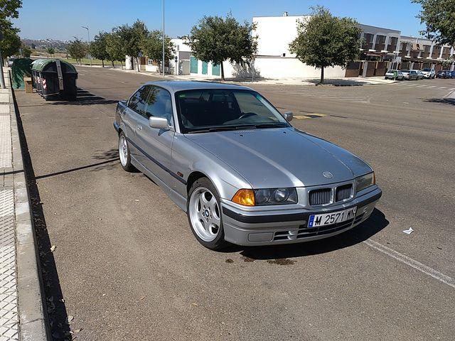 BMW E36 coupé 328is