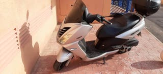 se vende moto 125 i peugeot citystar