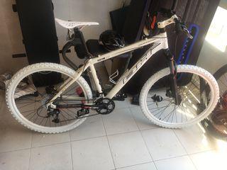 "Bicicleta de 26""pulgadas"