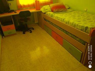 Habitación Juvenil madera verde y naranja