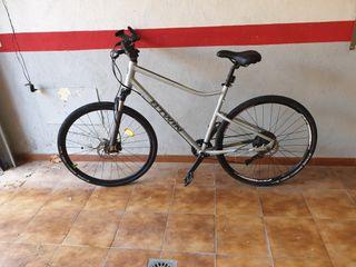 Bicicleta polivalente Riverside 900