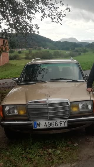 Mercedes-Benz 300 1982