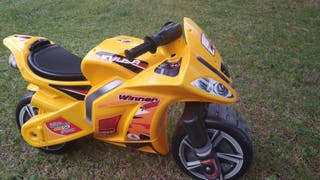 Moto juguete Winner Injusa