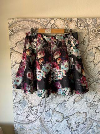 Falda de flores de Zara M