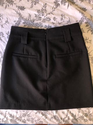 Falda negra Bershka