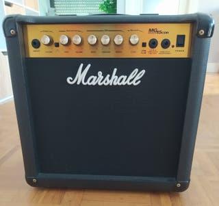 Amplificador Marshall MG15CDR