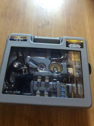 Maletín de microscopio de juguete