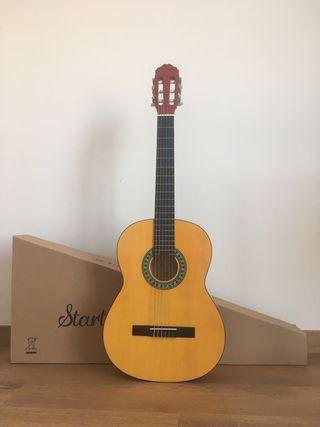 Una guitarra clásica