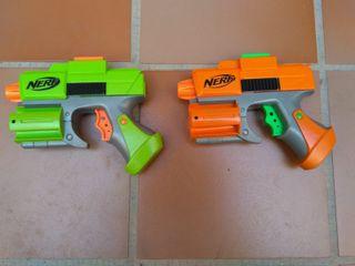 Dos pistolas Nerf