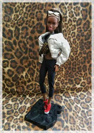 Barbie negra cuerpo MtM