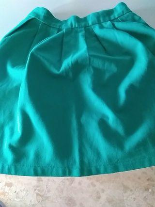 falda verde corta Stradivarius