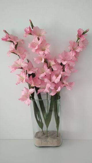 Jarrón + flores artificiales