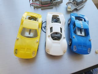Scalextric Poly 3 coches 2 chasis