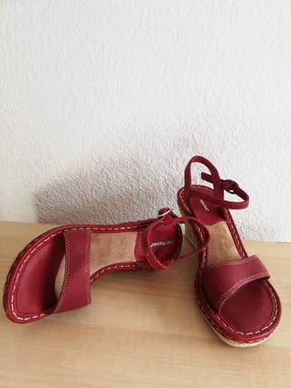 Sandalias rojas Hush Puppies