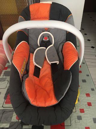 Sillita de bebé para coche