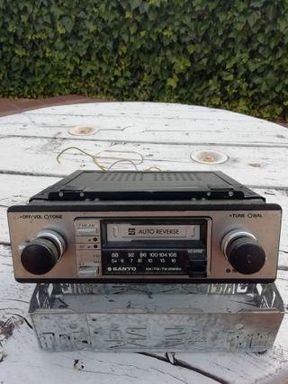 VENDO RADIO-CASSETTE CLÁSICO