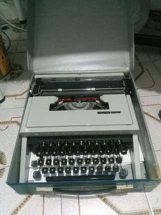 Máquina de escribir Olivetti 1973