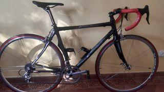 bicicleta carretera 7,8kg con pedales