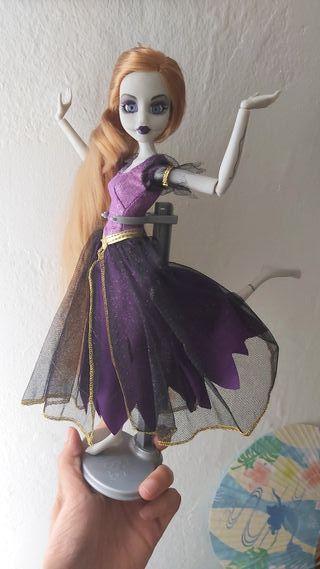 Muñeca Rapunzel zombie